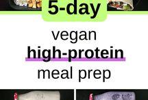 meal prep + drinks / healthy lunch & breakfast ideas; healthy drinks