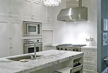 Kitchens / by Liana Proffer