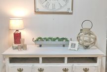 Lyla's: Home Decor 2018 / Lyla's Plano storefront offers a variety of home decor!  From wooden signs, vintage decor, wood signs, furniture, antiques and kitchen items....Lyla's offers something for everyone.  Let us help you turn your house into a home!