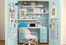 Desk in a cupboard / I sant to make one. Here are some ideas.