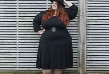 Plus size models and blogger 28+