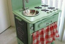 play kitchen / by Amandine Amoureux