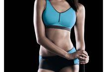 Best sports bra selection - Brassières de sports / Sports bras that offer optimal support for your breasts. Les meilleures soutien-gorges pour vous soutenir dans vos activités sportives.
