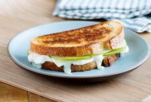 La Brea Bakery's 25 Favorite Grilled Cheese Recipes / To celebrate La Brea Bakery's 25th Anniversary and Grilled Cheese Month, we've decided to share our 25 favorite grilled cheese recipes using grilled cheese's favorite bread.