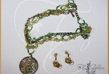 Diseños de inspiración  Steampunk by Flor Casablanca / Piezas de bisutería realizadas con piezas de relojes y diversos materiales