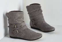 Fashion Item : Flat Ankle Boots / My character should dress well. So, i must know about this one. Kkkkk~ #writingproblem