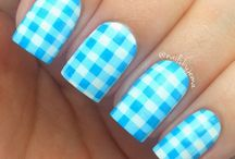 Gingham nails / Kratka Vichy