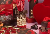Valentine Candy Packaging / Valentine's day spending on candy is over $1.5 billion dollars!  Make your products and goodies stand out with our wide variety of heart shaped boxes, printed bags, and favor sized items to share the love.