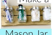 Mason Jar Crafts / DIY easy mason jar crafts for home. These mason jar crafts make great gifts for christmas and weddings. You can also make these to sell.