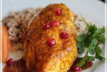 Poitrine de poulet rôti façon persane avec sa sauce aux noix de grenoble et à  la grenade