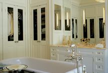 bathrooms / by Laura Tredway