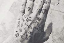 Hand Tattoo TD