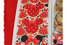 Creative cookies / by Rhonda Potts