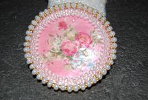 medailon / obšitá perleť
