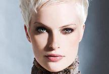 cheveux / Blond court