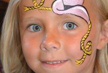 malowane buzie dzieci