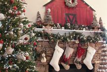 /holidays\ / Holiday related decor, and food or desserts