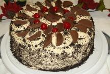 CAKE DECORATING / by Melissa Dommert