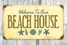 Beach Cottage / by Lynette Bondietti