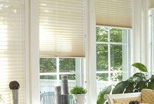 Jaluzele Plisate / Jaluzelele plisate pot inlocui cu succes pe cele orizontale din aluminiu sau PVC si sunt recomandate geamurilor cu deschideri oscilobatante sau celor din tavanul mansardelor, iar acestea reprezinta cea mai moderna solutie de umbrire a incaperilor.