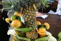 center piece // jungle / pineapple, grape, lime, banana