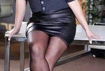 sexy leather ladies