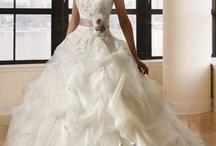 abiti da  sposa e  da damigelle