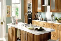 Dark Wood Effect Shaker Kitchens / With a dark oak effect finish and clean shaker style doors, these kitchen styles offer a modern feel to a classic design.