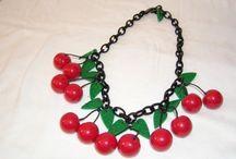 bakelite necklace
