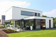 Moderne Huizen / Dit bord gaat over moderne architectuur. Op dit bord staan moderne ideën voor een modern huis.