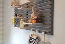 Plankjes boven commode / Kinderkamer commode