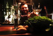 BAR Haus Zauberflöte Offenburg / Die Bar im Haus Zauberflöte entführt Dich aus dem Alltag. Nichts weniger als höchste Bar- & Genuss-Kultur ist unser Anspruch um Dir ein Wohlfühlort in klassischer Atmosphäre zu bieten. Sei herzlich Willkommen und genieße erstklassige Drinks!