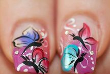 lovely nails / by Marianne Le Compte