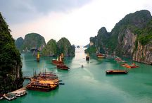 """Ha Long Bay """"Miracle Stones"""" In Vietnam / Namely, in the Gulf of Tonkin in Quang Ninh province in Vietnam is spectacular miracle of nature – Ha Long bay, which extends over an area of 1,553 square kilometers, and involves more than 1,960 islands of different sizes."""