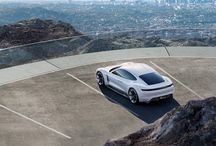 PORSCHE MISSION E / Specifications obtained this car is very impressive. Two Permanent Magnet Synchronous Motors (PMSM) is capable of producing more than 600 hp, with a battery allowing for a driving range of more than 500 km in a single content.