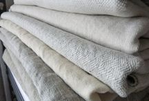 Best Slipcover Fabrics / There are so many natural fiber fabrics that work great for slipcovers. Here are some of my favorites.