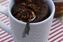 Muffin Tins & Mugs: Dessert Style / by Chrissy Godell