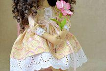 bonecas / by Magali Ferreira de Freitas