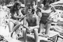 2 mannen en 2 vrouwen op het strand