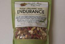 Organic Nuts & Dried Fruit Mix / www.healthynutfactory.com