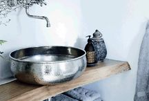 MODERN RUSTIC / concrete, wood, patterned tiles and industrial. Everything that goes into creating the perfect modern rustic look