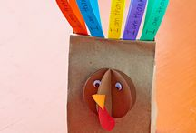 Thanksgiving Crafts / These makeityourselfmagazine.com Thanksgiving-themed DIYs will add a festive detail to your holiday table.