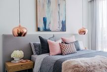 Guest bedroom 1 / Focus is on blue, grey and hit of pink