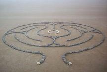 Labyrinten / Het aandachtig lopen van een labyrint is heel meditatief. Daarnaast vind ik zo ook heel mooi om te zien!