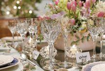 Taças e Copos / Taças e copos lindos em cristal e outros materiais para compor mesas com diversos estilos, valorizando a decoração do seu evento.