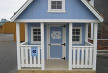 PLAY HOUSES / AMISH BUILT PLAY HOUSE A-FRAME AND BARN STYLE WITH LOFT  PORCH SWING INCLUDED. FULL 2X4 CON