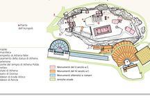 Acropoli di Atene / La città di Atene essendo una polis (ovvero una città-stato indipendente), aveva la caratteristica di essere divisa in due parti, che erano appunto l'acropoli, ovvero la parte alta della città, e l'agorà, che era la parte più bassa. L'Acropoli di Atene venne costruita alla sua estremità da scultori e architetti, tra cui Fidia, Policleto e Mirone. E' una grande manifestazione di imperialismo, fu voluta da Pericle.