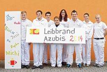 Azubis 2014 / Wir freuen uns, sieben neue Azubis in drei unterschiedlichen Gewerken dieses Jahr begrüßen zu dürfen. Unsere Azubis lassen sich in folgenden Gewerken in den kommenden drei Jahren ausbilden (m/w): Maler und Lackierer, Stuckateur, Raumausstatter.