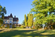Mount Merino Manor in the Fall / The Hudson Valley is famous for it's the beauty of its landscapes, especially in the Fall. Surrounded by 100 acres of gorgeous woods, Mount Merino Manor is situated on a hill next to the Hudson River and faces the Catskill Mountains.