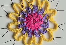 Crocheted flowers / Flores de ganchillo